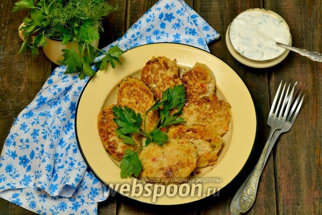 Фото Сочные котлеты из курицы и овощей