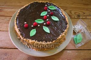 Торт украсить по вкусу и подать к столу. Торт готов.