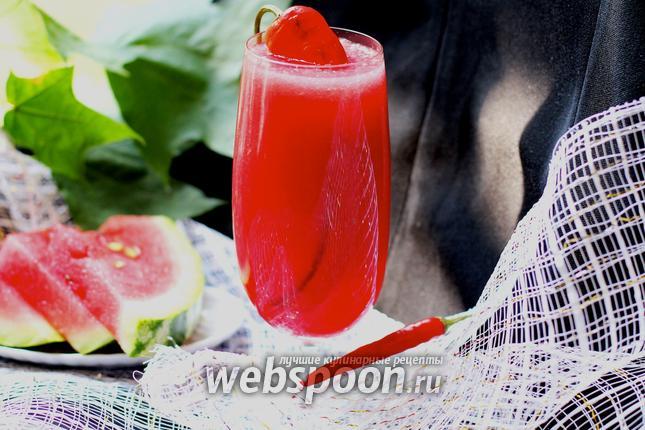 Фото Арбузный лимонад с перцем чили