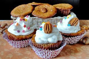 Кексы с орехами пекан