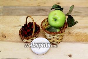 Для приготовления нам понадобятся такие продукты: яблоки, кизил, сахар, вода.