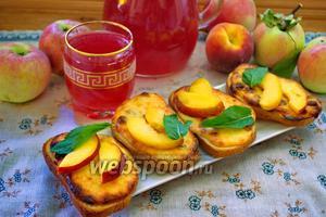 Ленивые ватрушки с изюмом и персиком