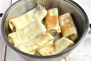 Обжарить на сковороде со сливочным маслом с обеих сторон до золотистой корочки.