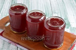 Яблочно-малиновый сок на зиму готов.