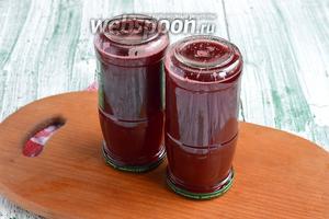 Сок из малины на зиму готов.