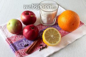 Для приготовления нам понадобятся яблоки, сахар, апельсин, лимон, корица и гвоздика.