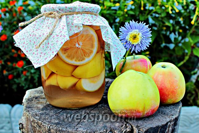 Фото Компот с персиками и яблоками