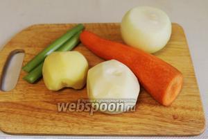 Очистить овощи.