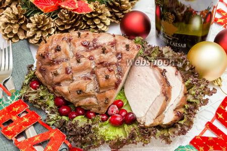 Свинина, запечённая с мёдом и вишнёвым вареньем