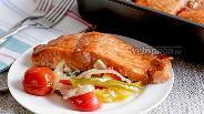 Фото рецепта Запечённая форель на подушке из овощей
