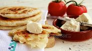 Фото рецепта Слоёные лепёшки на сковороде