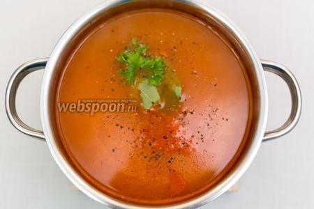 Солим, перчим. Добавляем лавровый лист. Снимаем с огня. Суп готов. Подаём горячим. Остатки варша можно заморозить. Приятного аппетита!