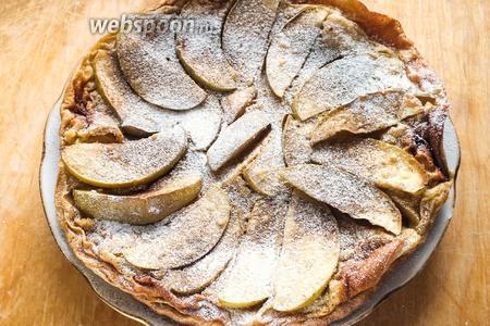 Остудите флонярд и перед подачей посыпьте сахарной пудрой и корицей! Особенно вкусно подавать этот десерт в охлаждённом виде со стаканом молока! Приятного аппетита!