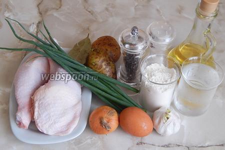 Для приготовления чеченских галушек нам понадобится следующий набор продуктов: курица (у меня окорочка), мука пшеничная, вода, яйцо куриное, лук репчатый, морковь (забыла положить на фото), лавровый лист, перец чёрный горошком, картофель средний, чеснок свежий, лук зелёный, масло растительное, соль.