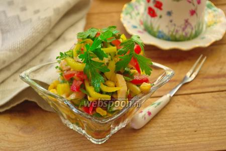 Салат с кальмаром и томатной заправкой