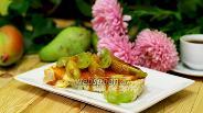 Фото рецепта Тосты с карамелизированной грушей и карамелью