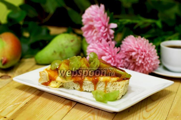 Фото Тосты с карамелизированной грушей и карамелью