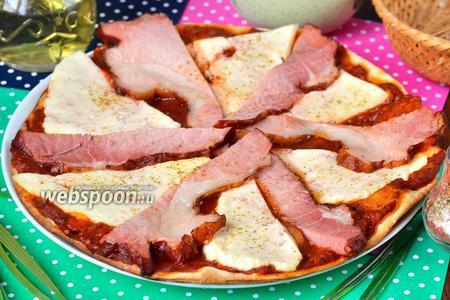 Пицца с адыгейским сыром и копчёным мясом