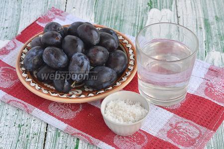 Для приготовления пастилы из слив нам понадобятся сливы, сахар и вода.