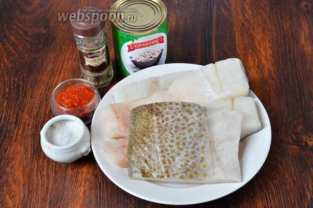 Для приготовления вам понадобится соль, томатная паста, базилик, фасоль белая консервированная и филе трески.