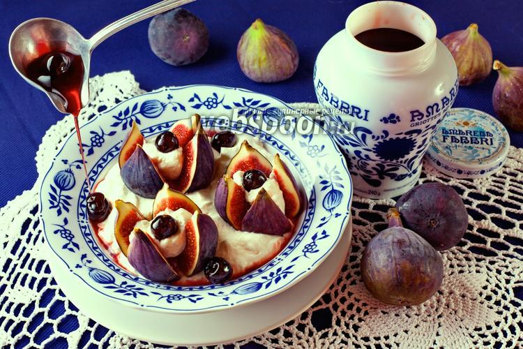 Фото Десерт из свежего инжира с вишней «Амарена»