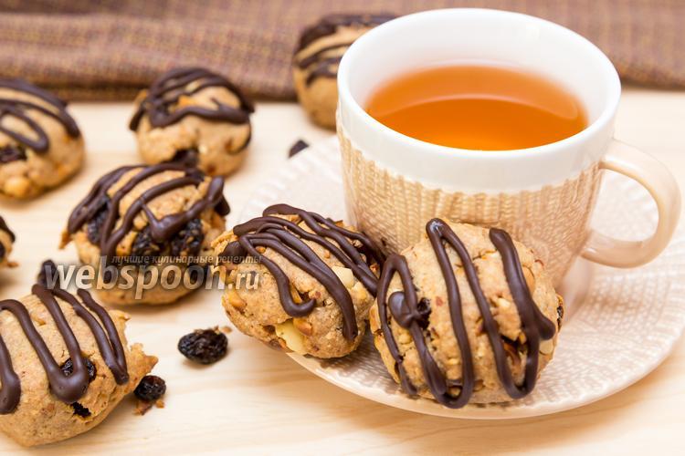 Фото Арахисовое печенье с изюмом