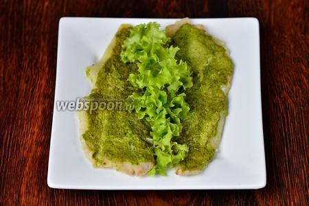 Запекаем при 200ºC в течение 20-25 минут в среднем. После подаём на стол, предварительно украсив зеленью. Приятного аппетита!