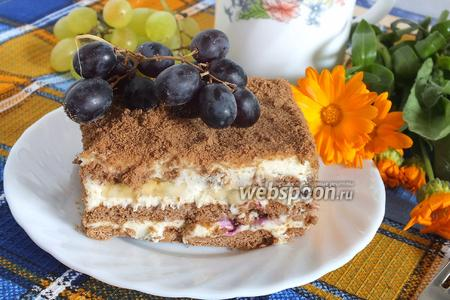 Шоколадный торт из затяжного печенья с бананами