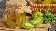 Фото рецепта Маринованные зелёные помидоры на зиму дольками