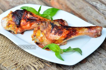 Куриная голень начинённая кукурузой, корейской морковью и чесноком