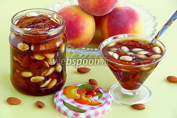 Фото Варенье из персиков с корицей и миндалём