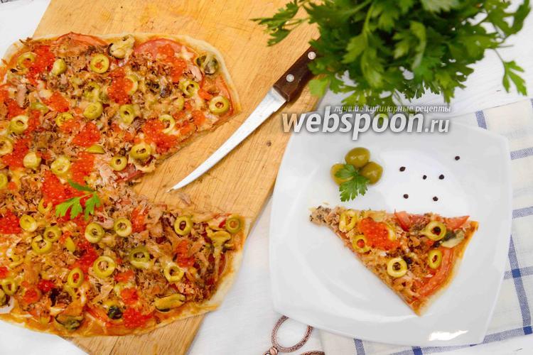 Фото Пицца с тунцом и красной икрой на слоёном тесте