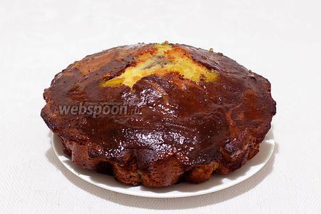 Затем освободить кекс от формы и смазать апельсиновым джемом или украсить по своему желанию. Я ещё посыпала его миндальными лепестками. Приятного чаепития!