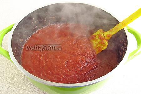 Далее снова выложить пюре в кастрюлю и, при постоянном помешивании, варить до половины первоначального объёма.