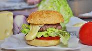 Фото рецепта Бургер с сырным соусом