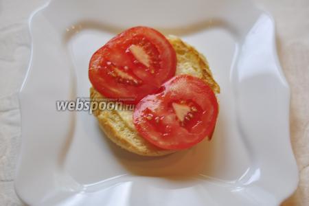 Положим 2 кружка помидоров