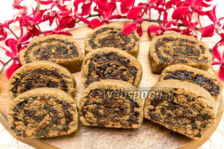 Фото Ржаное печенье с сухофруктами