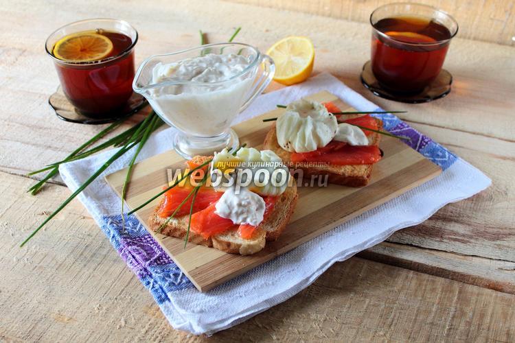Фото Тосты с лососем и яйцом-пашот