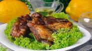 Фото рецепта Свиные рёбрышки, запечённые в винно-медовом соусе с кумкватами