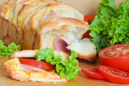 Холостяцкий хлеб-бутерброд с колбасой и сыром