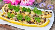 Фото рецепта Кабачки запечённые с печёнкой, чесноком и кукурузой