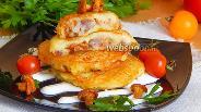 Фото рецепта Драники с лисичками и солёной грудинкой