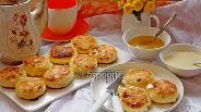 Фото рецепта Сырники с кокосовой стружкой