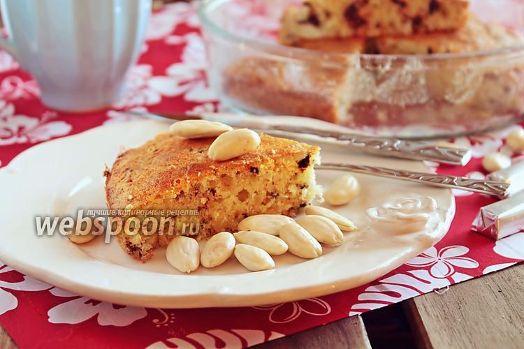 Фото Миндальный кекс с кусочками шоколада
