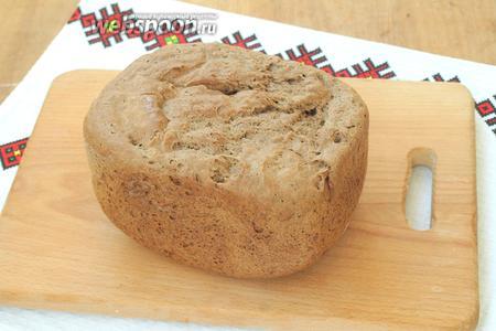 А вот такой хлеб в готовом виде. Остужаем его на решётке и затем подаём. Приятного аппетита!