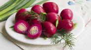 Фото рецепта Перепелиные яйца в свекольном маринаде