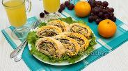 Фото рецепта Рулет из лаваша с грибами и сыром
