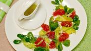 Фото рецепта Салат с грейпфрутом и авокадо