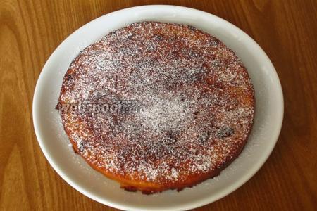 Пирог остудить на решётке. Перед подачей посыпать сахарной пудрой. Приятного аппетита. :))