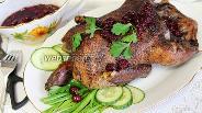 Фото рецепта Утка с вишнями в духовке